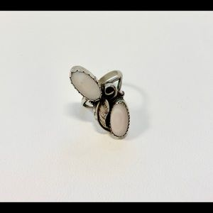 Beautiful Vintage Silver and White Flower Ring